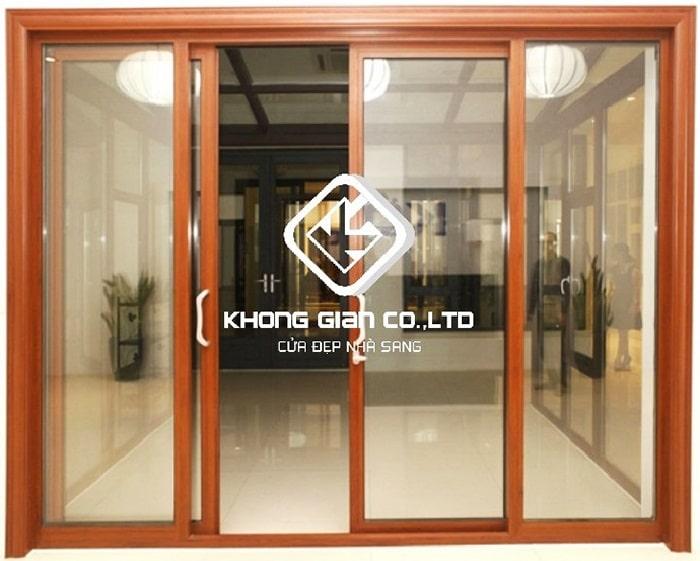 Mẫu cửa đi 3 cánh màu vân gỗ nâng tầm thẩm mỹ cho ngôi nhà