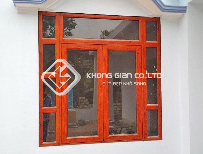 Mẫu cửa nhôm Xingfa đẹp 2 cánh màu giả gỗ sang trọng