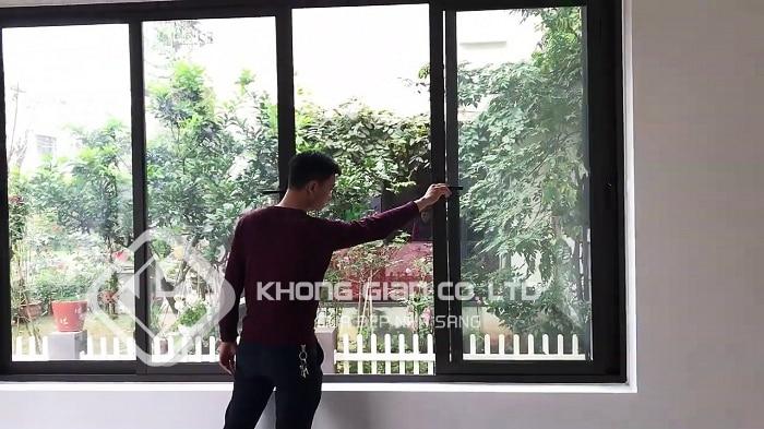 Mẫu cửa sổ nhôm Xingfa 4 cánh đẹp mở lùa